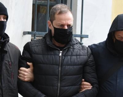 Νέα μήνυση κατά Λιγνάδη με την κατηγορία για το αδίκημα του βιασμού κατατέθηκε στην εισαγγελία
