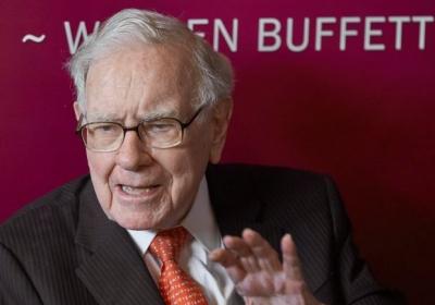 Ξεπέρασε τα 100 δισ. δολάρια η περιουσία του Warren Buffett