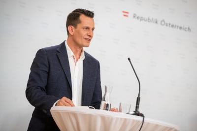 Αυστρία: Κατά των υποχρεωτικών εμβολιασμών ο υπουργός Υγείας