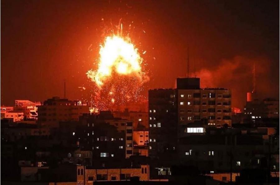 Γάζα: Ισραηλινό πλήγμα στον καταυλισμό προσφύγων αλ Σάτι – Νεκρά δέκα μέλη μιας οικογένειας Παλαιστινίων