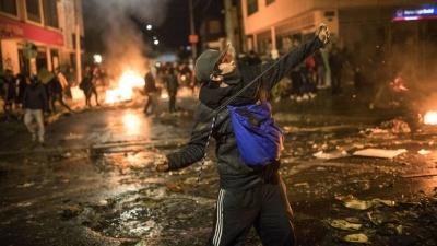 Κολομβία: 17 νεκροί και πάνω από 800 τραυματίες σε διαδηλώσεις κατά της νέας φορολογικής μεταρρύθμισης