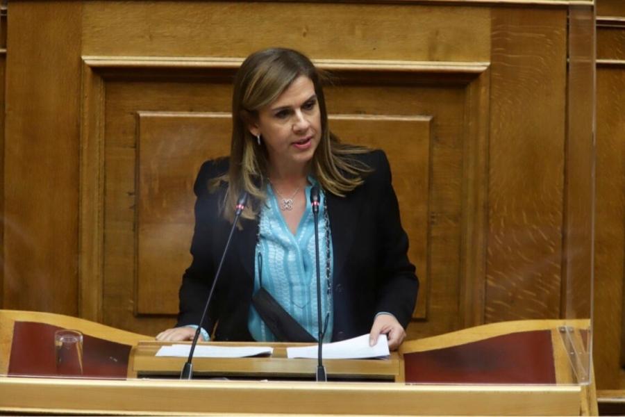 Ράπτη (υφυπουργός Υγείας): Αν οι ειδικοί είναι αρνητικοί, δεν θα ανοίξουν οι εκκλησίες