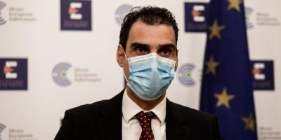 Θεμιστοκλέους: Πότε ξεκινούν οι εμβολιασμοί για τους 40 έως 49 - Μόνο με AstraZeneca οι 40 έως 44