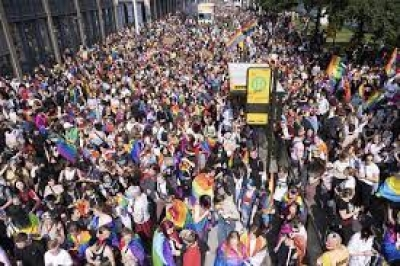 Γερμανία: Οι «αδιαίρετοι» κατέβασαν σχεδόν 30.000 ανθρώπους στους δρόμους εναντίον των πολιτικών της άκρας δεξιάς
