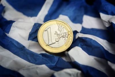 Χαμηλώνουν οι προσδοκίες -  Δυσκολία θεσμών να αλλάξουν τους όρους για τα πρωτογενή πλεονάσματα της Αθήνας