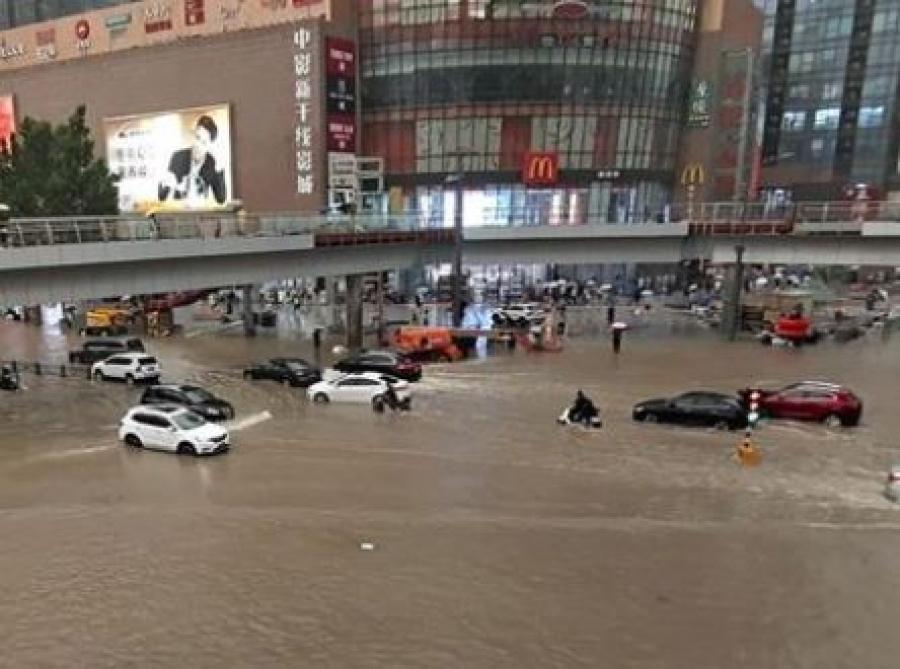 Κίνα: Πλήττονται από καταιγίδες λόγω του τυφώνα In-Fa οι ανατολικές ακτές της χώρας