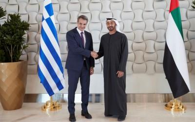 Στα  Ηνωμένα Αραβικά Εμιράτα ο Μητσοτάκης - Μπαράζ επαφών για οικονομία, επενδύσεις και άμυνα
