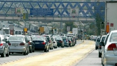 Αυξημένη η κίνηση στις εθνικές οδούς - Ένδειξη για μεγάλη προσέλευση ετεροδημοτών στις κάλπες