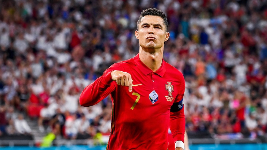Απίστευτος Κριστιάνο Ρονάλντο: Έπιασε το απόλυτο ρεκόρ με 109 γκολ! (video)