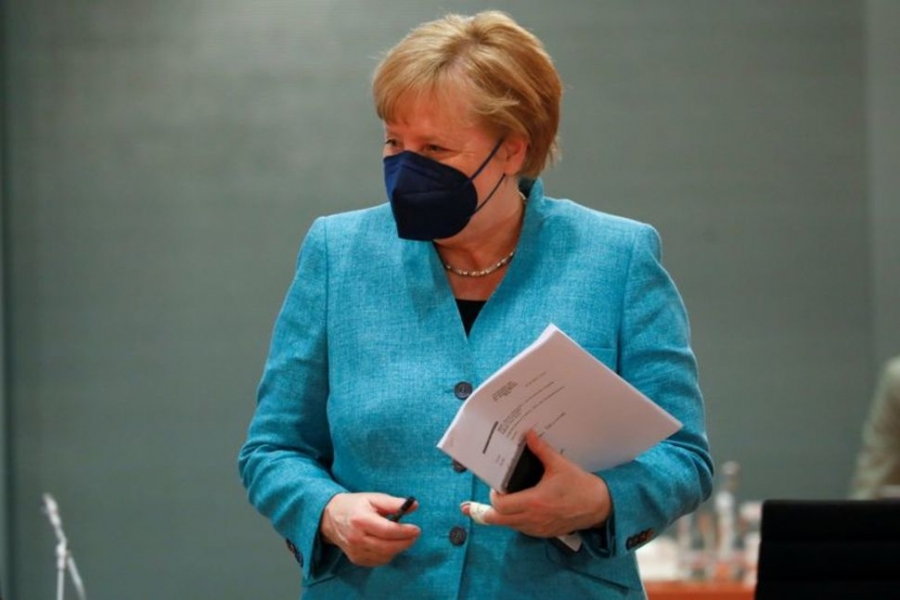 Γερμανία: Η Merkel προετοιμάζει το έδαφος για σταδιακή άρση της δημοσιονομικής επέκτασης