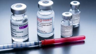 Μόνο στην Ελλάδα η κοινωνία χωρίστηκε σε εμβολιασμένους και αρνητές – Συγκλονίζουν τα αποκαλυπτικά στοιχεία από το Ισραήλ