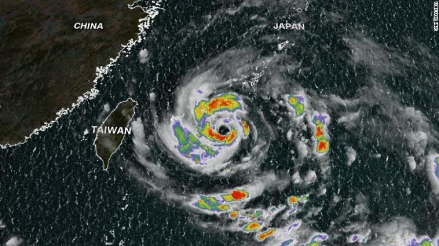 Μετά τις καταστροφικές πλημμύρες, η Κίνα κλείνει λιμάνια, ακυρώνει πτήσεις, καθώς ετοιμάζεται για τον τυφώνα Ιν-Φα