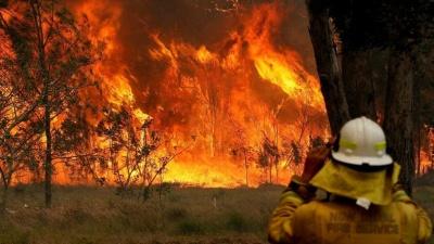 Σε πύρινο κλοιό η Αυστραλία – 200 πυρκαγιές, οι 70 ανεξέλεγκτες - Νεκροί δύο πυροσβέστες στη μάχη με τις φλόγες στο Σίδνεϊ