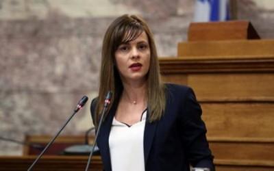 Αχτσιόγλου (ΣΥΡΙΖΑ): Ο κ. Σκυλακάκης χρέωσε τη βαθιά ύφεση στους πολίτες απειλώντας τους με νέα μνημόνια