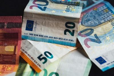 Πιστώνεται σήμερα 17/7 το επίδομα των 534 ευρώ σε εποχικά εργαζόμενους