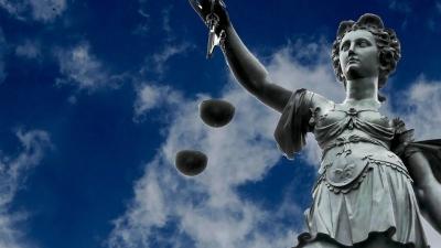 «Κόλαφος» για την ελληνική Δικαιοσύνη η έκθεση της Ευρωπαϊκής Επιτροπής - Τι αναφέρει για διαφθορά, δημοσιογράφους, απονομή