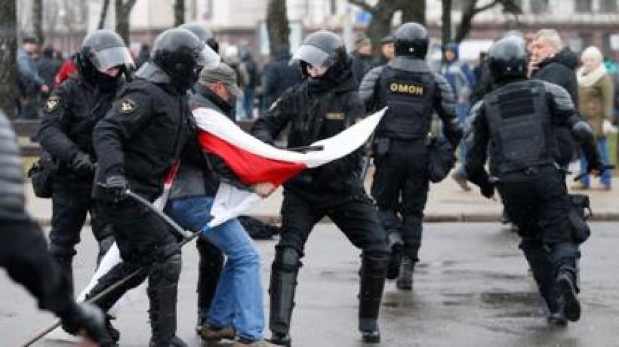 Ένταση στη Λευκορωσία: 125 συλλήψεις διαδηλωτών στην πρωτεύουσα Μινσκ