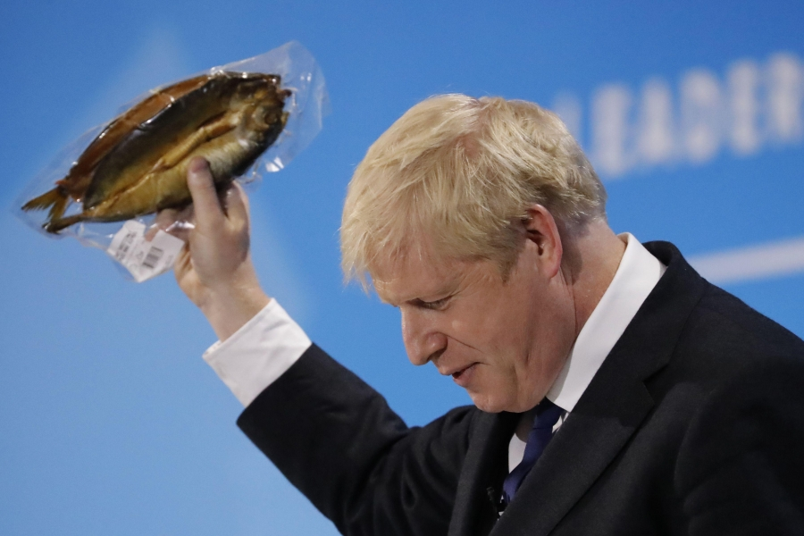 Βρετανία - Brexit: Πέταξαν σάπια ψάρια έξω από το σπίτι του Johnson