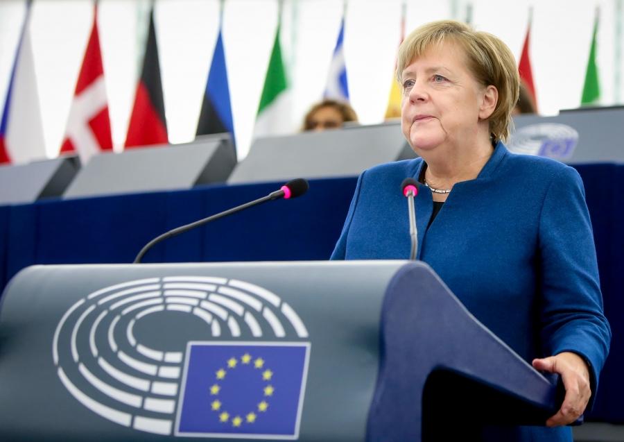 Merkel (Γερμανία): Πρόκληση για το ΝΑΤΟ η αντιμετώπιση των υβριδικών απειλών από Ρωσία και Κίνα