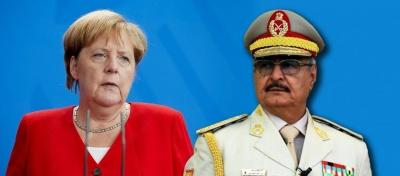 Δεν θα υπάρξει λύση στη Λιβύη χωρίς κατάπαυση του πυρός, τόνισε η A. Merkel στον K. Haftar