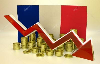 Ύφεση 8,2% στη Γαλλία το 2020 λόγω της πανδημίας