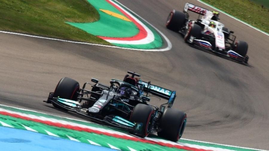 F1: Ακόμη μία pole position για τον Hamilton - Θέλει άλλη μία για τις 100!